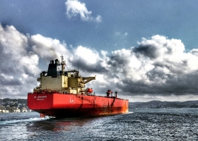 Addestramento di base per le operazioni del carico delle navi cistera adibite al trasporto di gas liquefatti